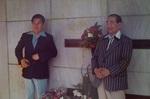 モンローさんの墓前にて祖父と父と.jpg